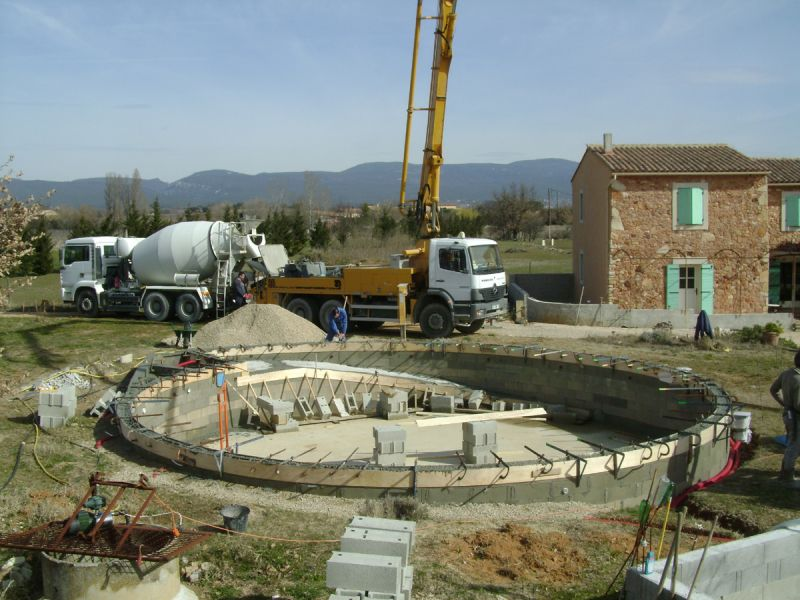 Construction piscine ronde non class for Construction piscine zone non aedificandi