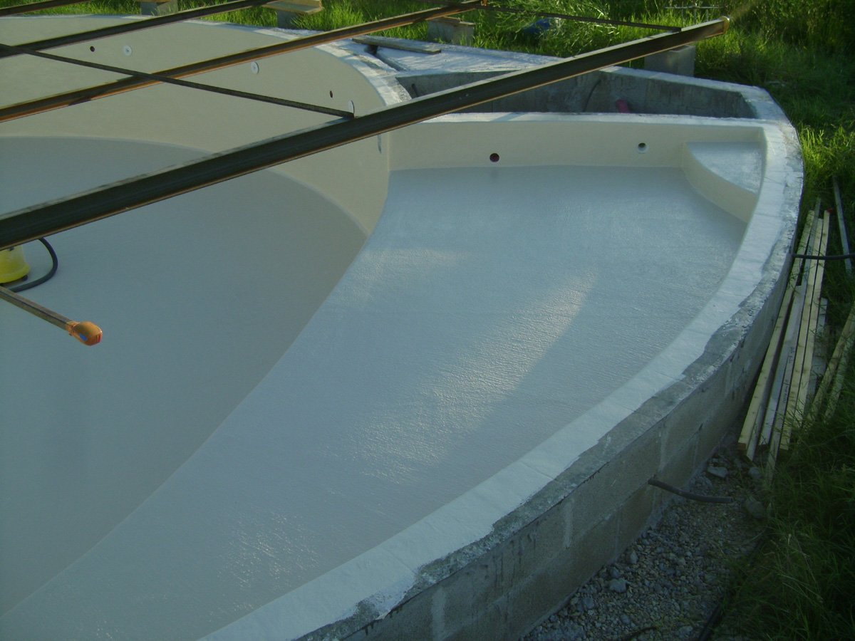 Construction piscine ronde le gel coat for Construction piscine 07
