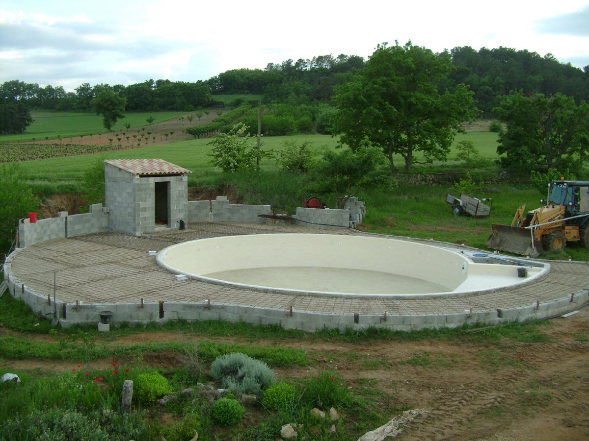 construction piscine ronde suite du ferraillage de la