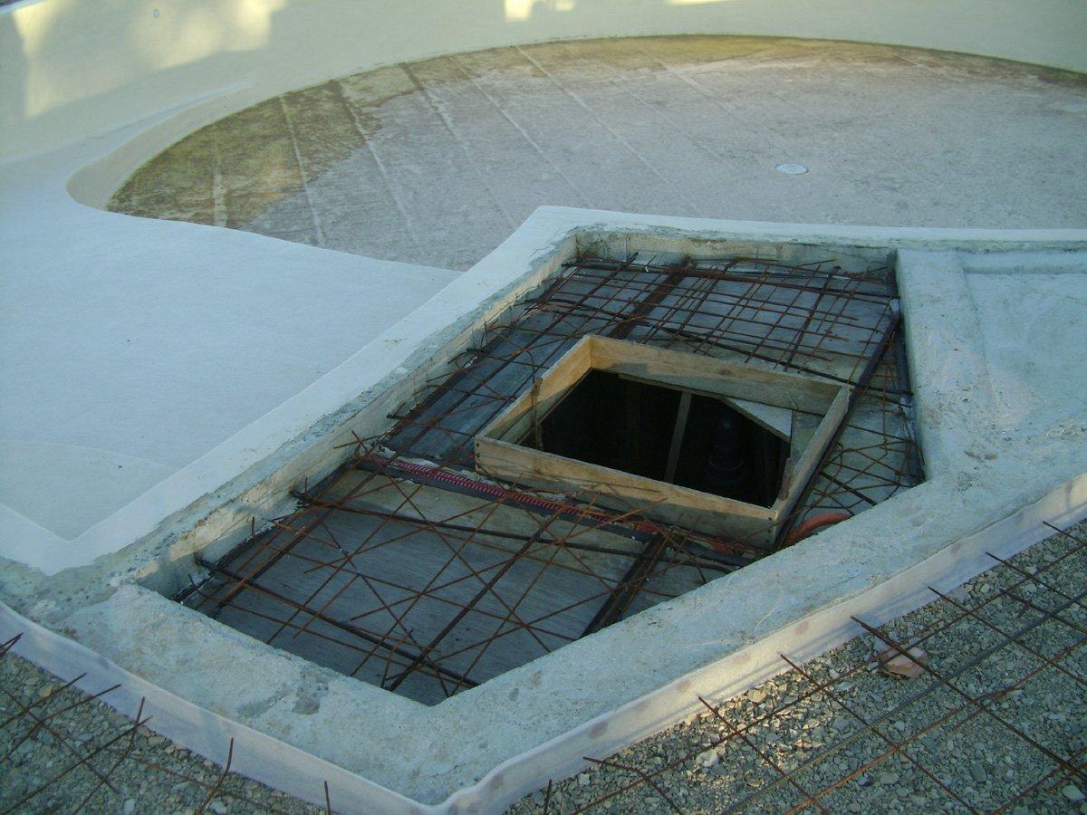 Construction piscine ronde suite du ferraillage de la for Trappe local technique piscine